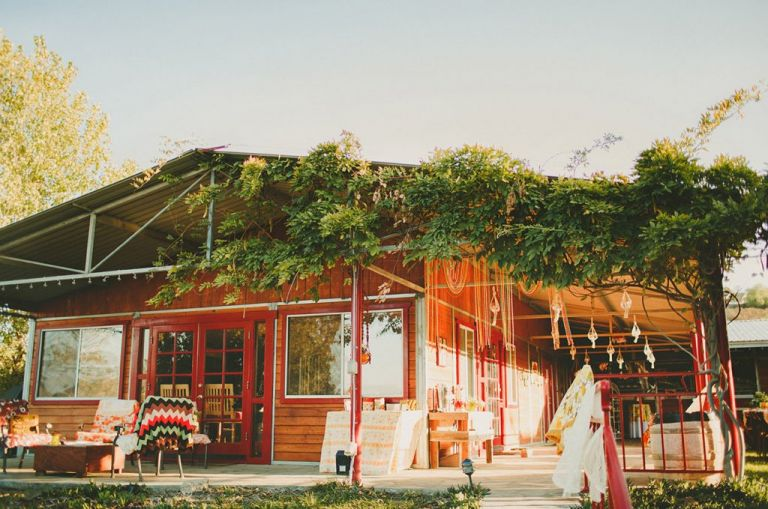 70s inspired wedding at temecula wedding venue, blue moon ranch